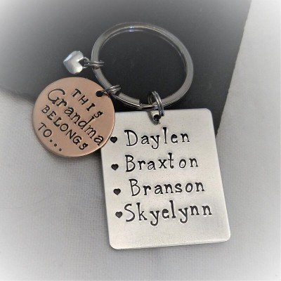 Personalized 1-6 Engraving Names Keychain Gift For Mom and Grandma