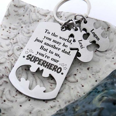 Engraving Father's Day Gift Personalized Superhero Dad Keychain with 1-10 Names Dad Husband Grandpa