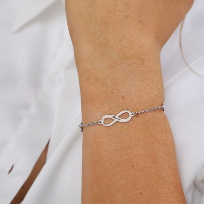 Personalized Infinity Charm Bracelet with 1-4 Names